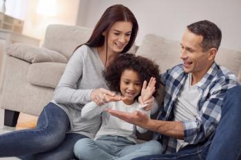 Filiation paternelle après adoption à l'étranger et respect de la vie privée